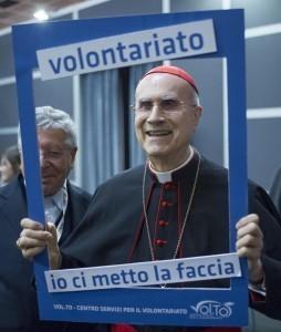 """L'invidia di Bertone: """"30 cardinali hanno case più grandi"""""""