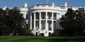 Casa Bianca isolata per pacco sospetto: Obama nell'edificio