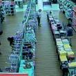 VIDEO FOTO Bambina di 8 anni si allontana col suo assassino02