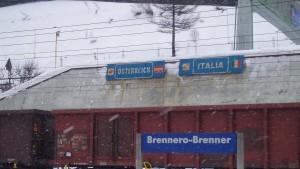 Austria minaccia sui migranti: Pronti a chiudere il Brennero