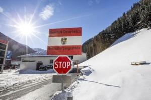 Guarda la versione ingrandita di Brennero: Austria inizia barriera anti migranti da Italia (foto d'archivio Ansa)