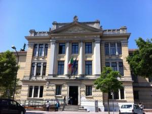Treviso, insulti ai prof per i voti sui muri al liceo Canova