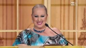 Guarda la versione ingrandita di Ballando con le stelle: Carolyn Smith senza turbante
