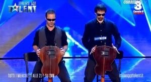 Guarda la versione ingrandita di VIDEO Italia's Got Talent, Guitar Sketch suonano e…
