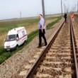 Coppia di ragazzine lesbiche si suicida sotto al treno 2