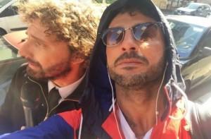Guarda la versione ingrandita di Le Iene, Fabrizio Corona non risponde a Filippo Roma VIDEO