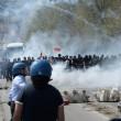 Napoli, corteo anti-Renzi contro polizia: sassi, lacrimogeni5