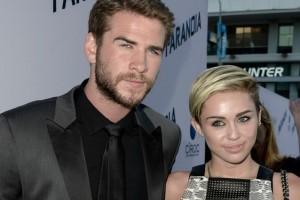 Miley Cyrus e Liam Hemsworth stanno per sposarsi, si dice...