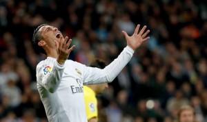 Guarda la versione ingrandita di Cristiano Ronaldo, cosa ha? Rischia si saltare anche... (Ansa)