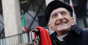 25 aprile, quando Don Gallo cantò Bella Ciao a messa