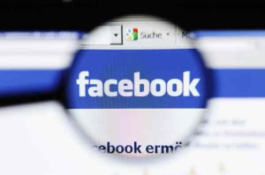 Torino, riconosce rapinatori su Facebook e li fa arrestare