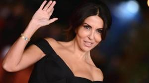 Sabrina Ferilli senza trucco in giro per Roma FOTO