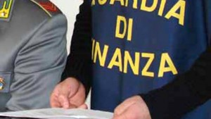 Napoli, prodotti a marchio falso venduti in Cina: 60 arresti