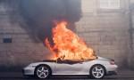 Francia: no riforma lavoro, scontri: auto lusso a fuoco FOTO
