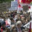 Francia: no riforma lavoro, scontri: auto lusso a fuoco4