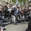 Francia: no riforma lavoro, scontri: auto lusso a fuoco9