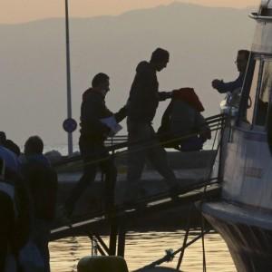 Migranti, via a piano Ue: portati dalla Grecia alla Turchia
