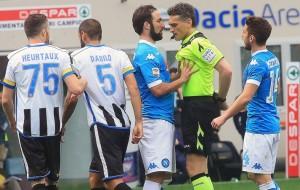 Guarda la versione ingrandita di Serie A: Sarri – Higuain, epitomi flop Napoli. E la Roma…
