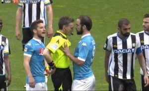 Guarda la versione ingrandita di Gonzalo Higuain video espulsione Udinese-Napoli
