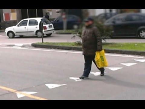 YOUTUBE Falso cieco smascherato a Cava de' Tirreni 04