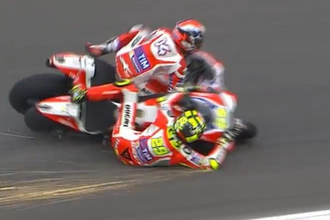 YOUTUBE Iannone e Dovizioso incidente, suicidio Ducati7
