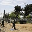 Migranti Idomeni, lanci di lacrimogeni e pietre FOTO 3