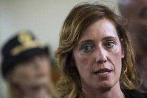 Guarda la versione ingrandita di Ilaria Cucchi contro tutti partiti: Insensibili, no politica