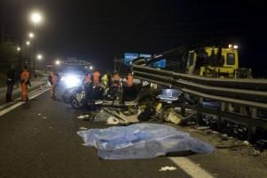 Incidente Bergamo: 3 giovani morti in scontro tra auto