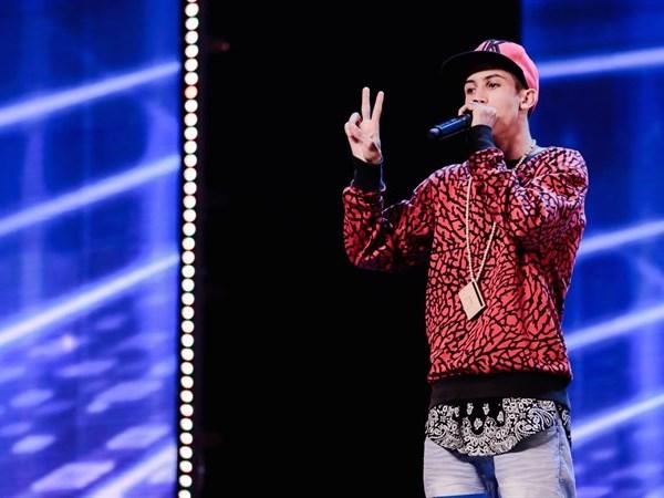 YOUTUBE Italia's got talent, rapper balbuziente fa beatbox