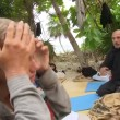 Isola dei Famosi, Giacobbe Fragomeni sviene e cade su... 02