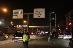 Guarda la versione ingrandita di Istanbul, esplosione a stazione metrebus in centro: 3 feriti