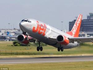 Aereo Jet2, atterraggio d'emergenza per flap guasto VIDEO