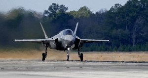 Piloti britannici provano F35 in South Carolina3