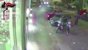 YOUTUBE Roma, ladro seriale di auto: la tecnica infallibile