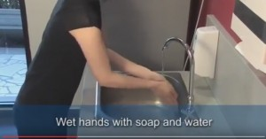 YouTube: lavare le mani, ecco come si fa nel modo giusto