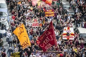 Lazio-Roma FOTO: romanisti a Testaccio, laziali a Tor di Quinto