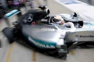 F1, Lewis Hamilton penalizzato cinque posti griglia partenza