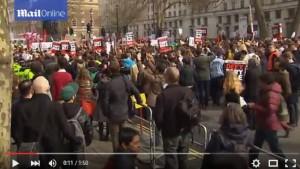 YOUTUBE Londra, proteste anti Cameron: migliaia per strada