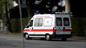 Napoli, schianto frontale auto-moto: un morto