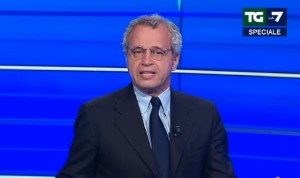 """YOUTUBE Enrico Mentana contro Renzi: """"Ha 20 anni di meno..."""""""