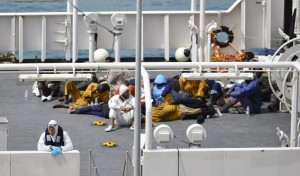 Guarda la versione ingrandita di Migranti, naufragio a largo coste Libia: almeno 70 dispersi (Foto archivio Ansa)