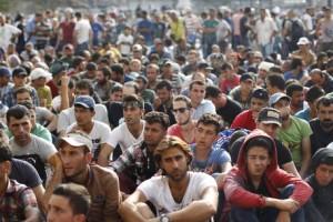 """Migranti, Germania: """"Controlli ai confini per altri 6 mesi"""" (foto Ansa)"""