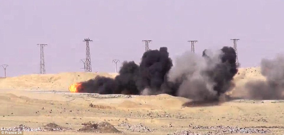 YOUTUBE Isis, Missile teleguidato distrugge camion suicida5
