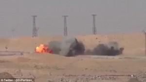YOUTUBE Isis, Missile teleguidato distrugge camion suicida
