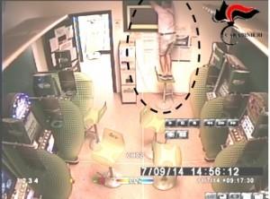 Guarda la versione ingrandita di Pordenone: colpo nella sala scommesse, 4 moldavi denunciati