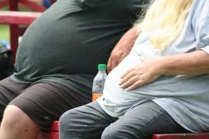 Obesità per 1 uomo su 10 e 1 donna su 7. I Paesi più colpiti