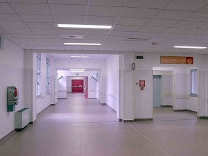 Dimenticarono ago in inguine paziente: medici condannati