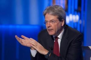 Guarda la versione ingrandita di Paolo Gentiloni, Ministro degli Esteri, ospite della trasmissione in onda su LA 7