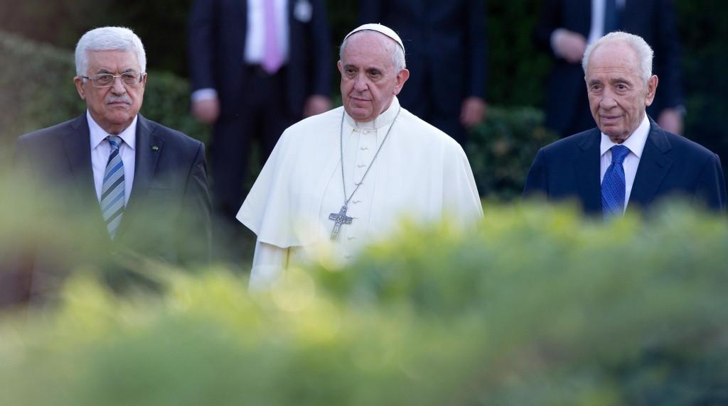 "Papa Francesco: ""Sì sacramenti a risposati, basta esclusioni"""