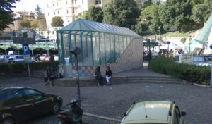 Perugia: donna morta in un parcheggio, accanto figlioletta